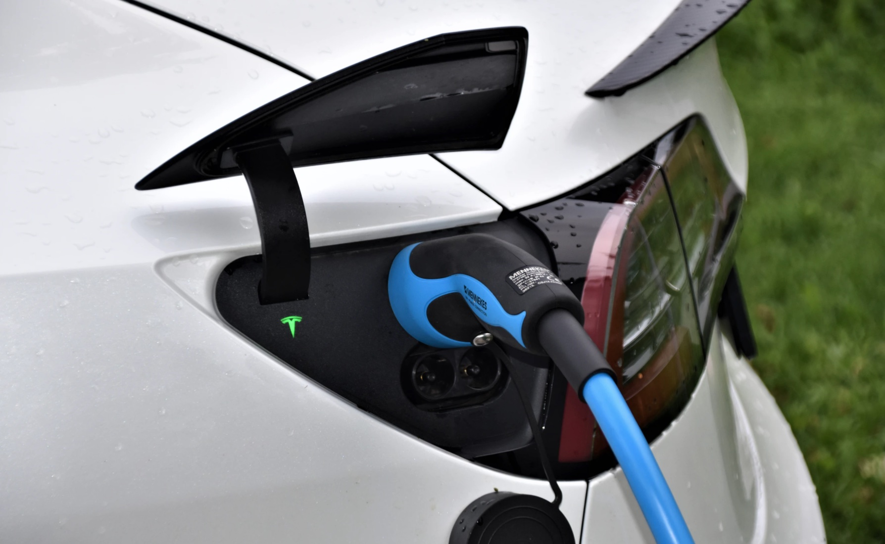 Tesla opens Chengdu-Lhasa charging route, allowing Chinese car owners to drive into Lhasa-CnEVPost