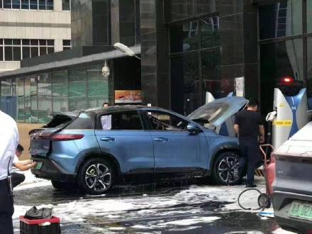 XPeng G3 catches fire at charging station, hours before EV maker unveils LiDAR-equipped P5 sedan-CnEVPost
