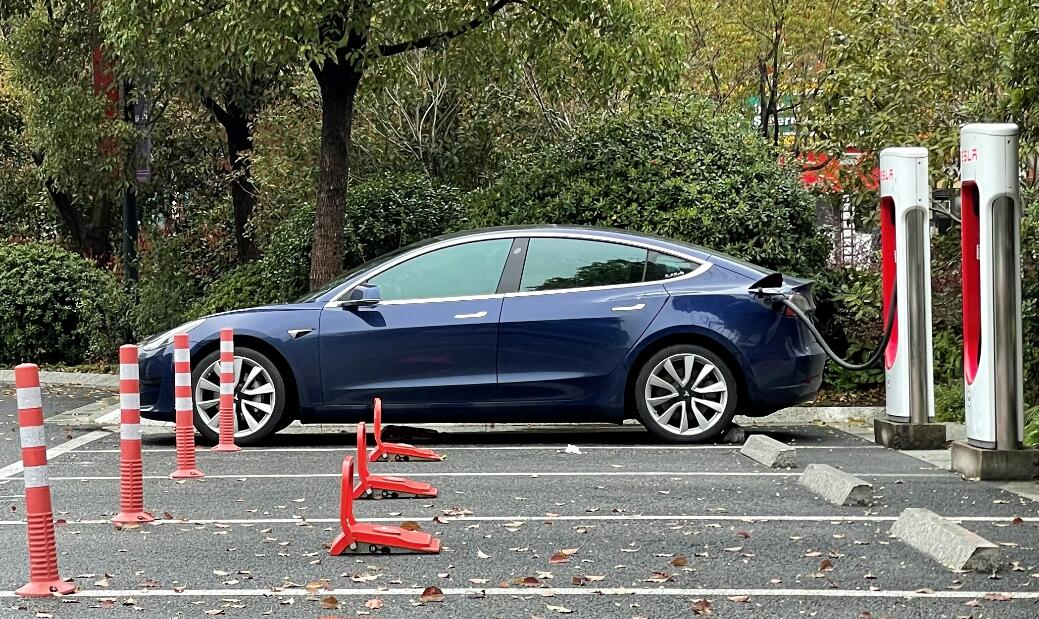 Tesla Model 3 reclaims title as world's best-selling EV in February over Hongguang Mini EV-CnEVPost