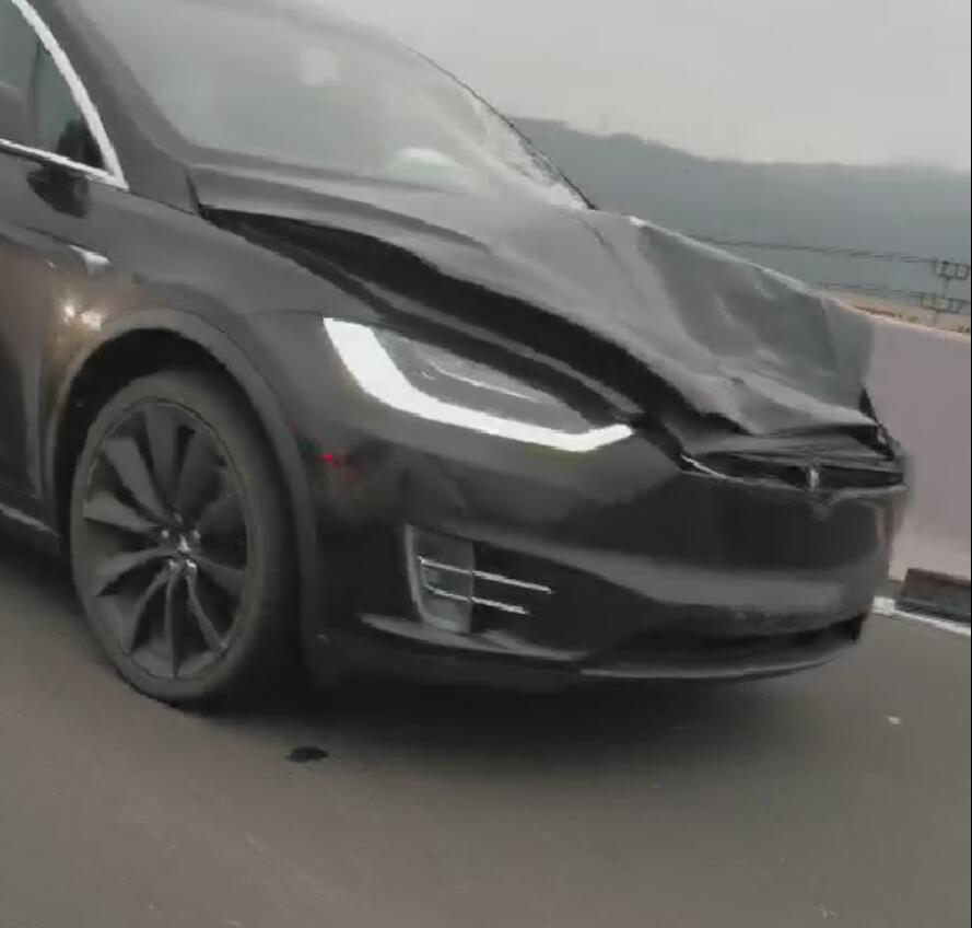 Latest accident involving Tesla leaves one traffic officer dead and one injured-CnEVPost
