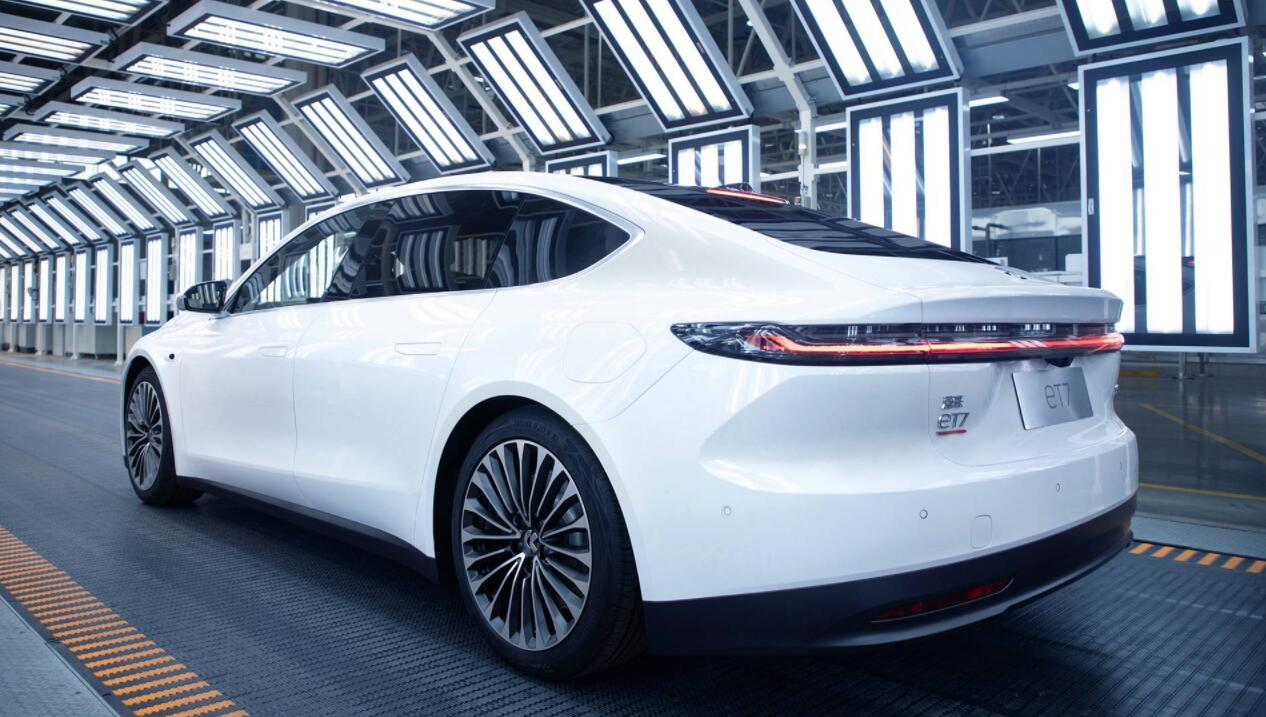 NIO's first ET7 from Validation Build rolls off line-CnEVPost
