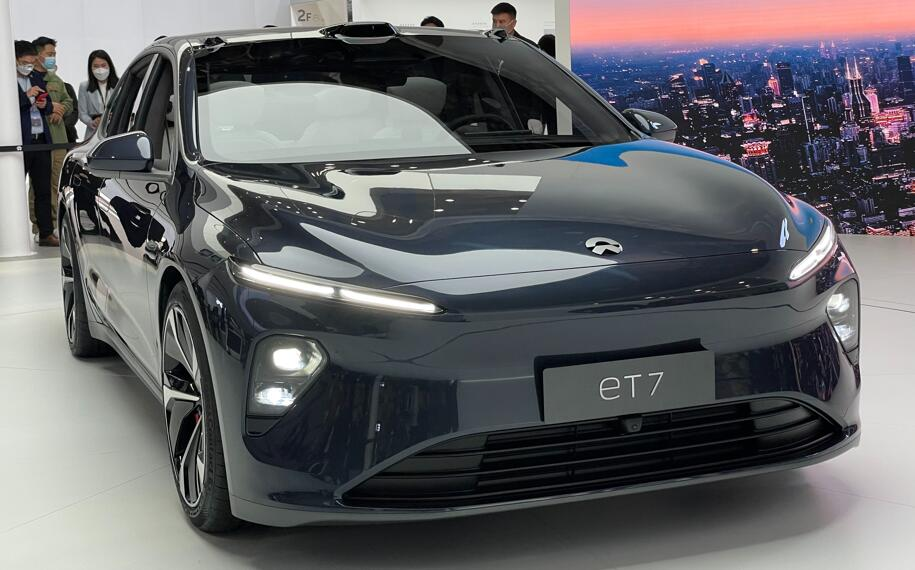 NIO ET7 in Luminous Orange makes its first real-life appearance-CnEVPost