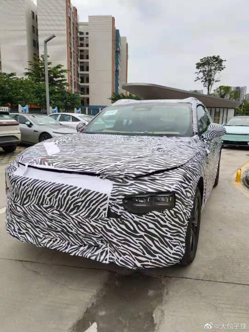 New spy shots of XPeng's new SUV revealed-CnEVPost