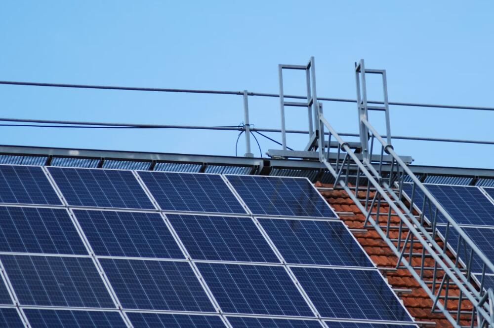 China to pilot rooftop distributed PV power generation in 676 counties-CnEVPost
