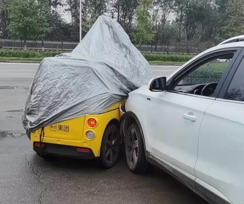 Meituan's unmanned delivery vehicle gets involved in collision and takes full responsibility-CnEVPost